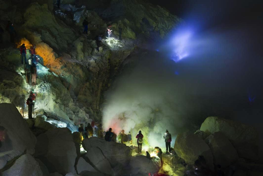 イジェン山の青い炎