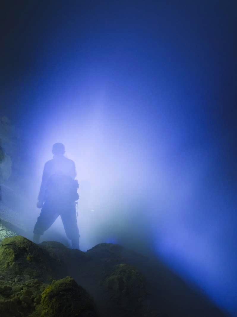イジェン山の青い炎3
