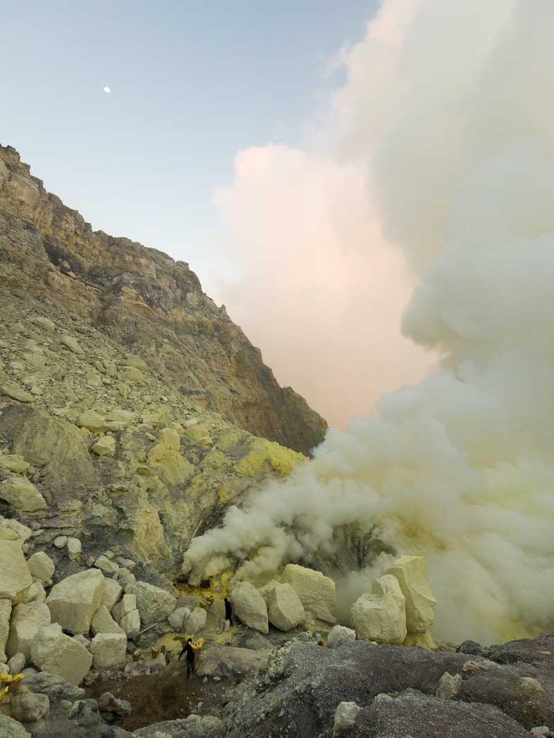 イジェン山の火口3