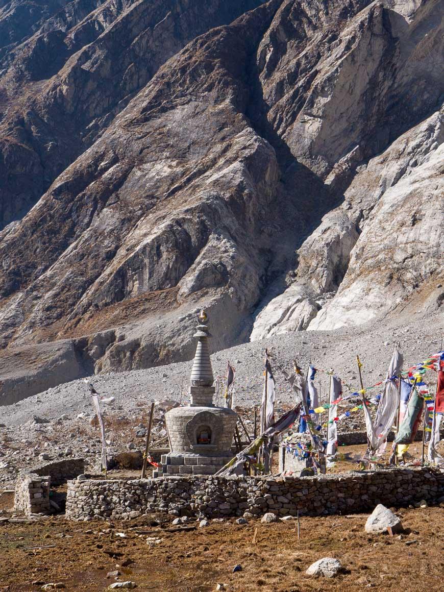 ランタン村の仏塔