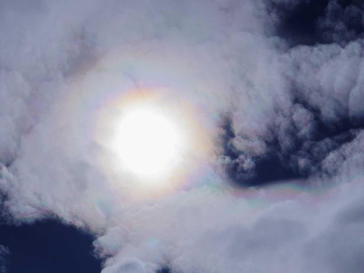 ツェルゴリの上に見えた彩雲