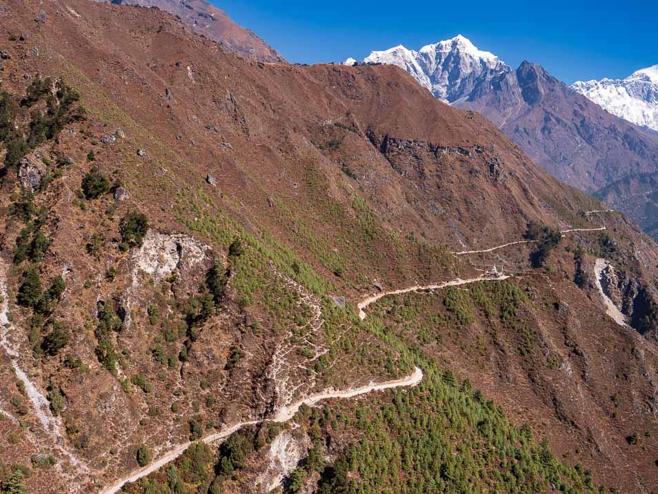 エベレストへと向かう道
