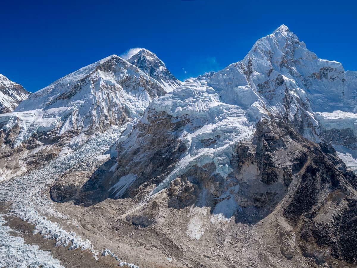 世界最高峰、標高8848mのエベレスト