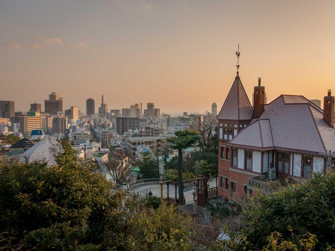 北野天満神社から神戸を見渡す