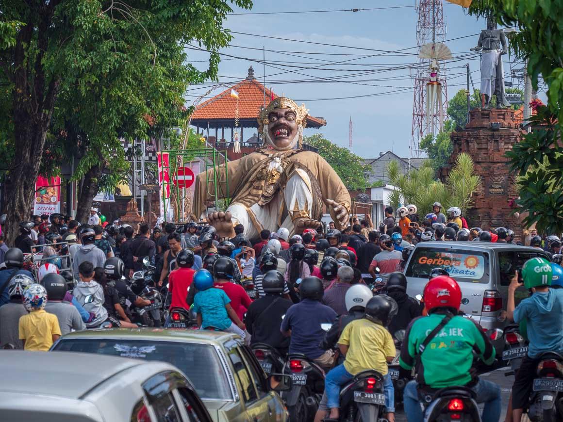 オゴオゴ渋滞