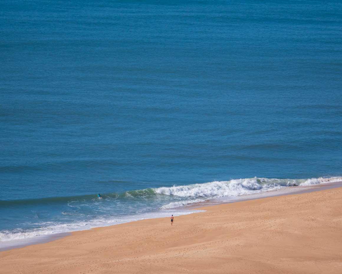 ヨーロッパで一番大きい波がくるポルトガル・ナザレの北海岸