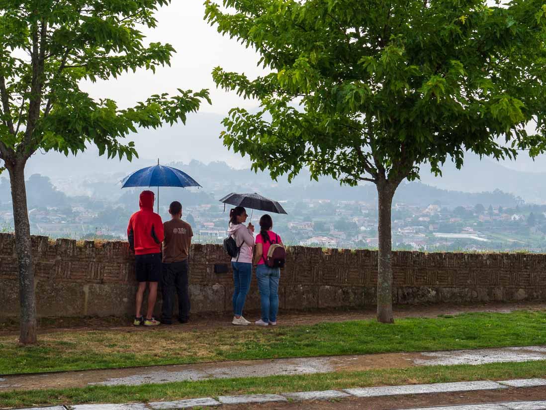 バレンサ(ヴァレンサ)から対岸の町トゥイを眺める