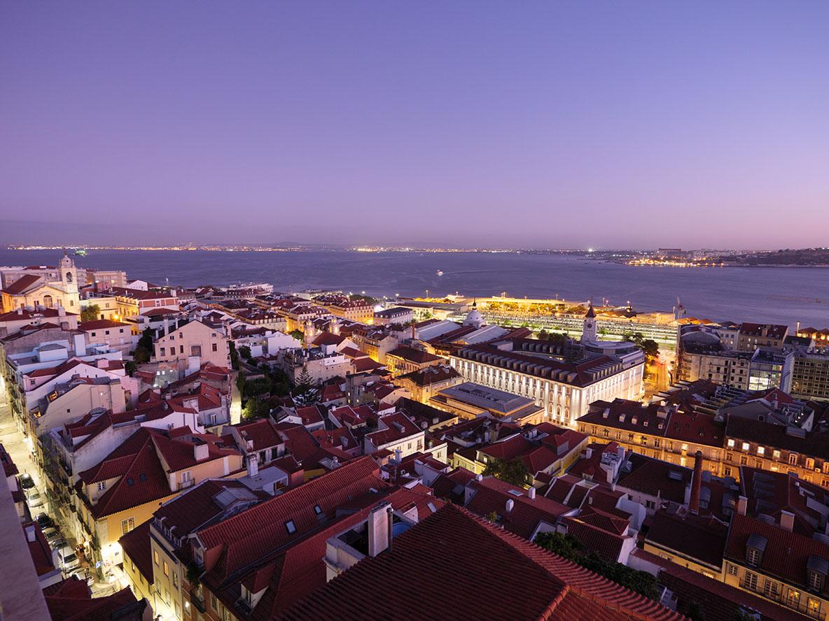 リスボンの夜景をPanasonic Lumix G9で撮影した写真