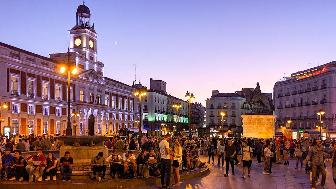 マドリードのSOL広場の夕景をPanasonic G9で撮影した写真