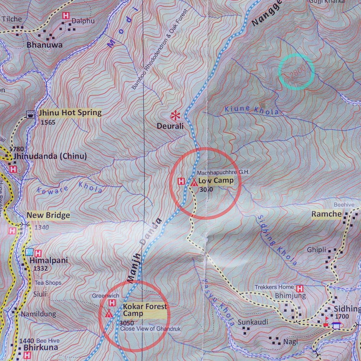 ネパール製のアンナプルナトレッキングの地図