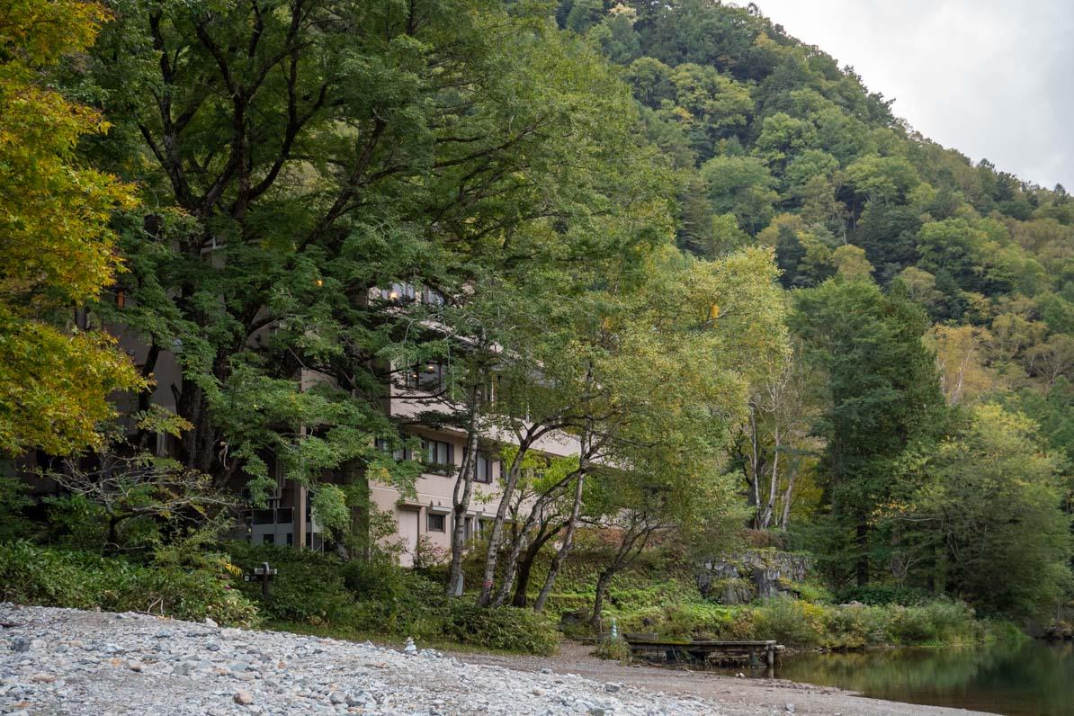 上高地の大正池ホテル