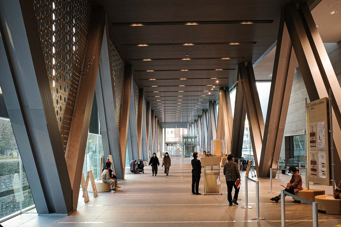東京都現代美術館のレストランのエントランスホール