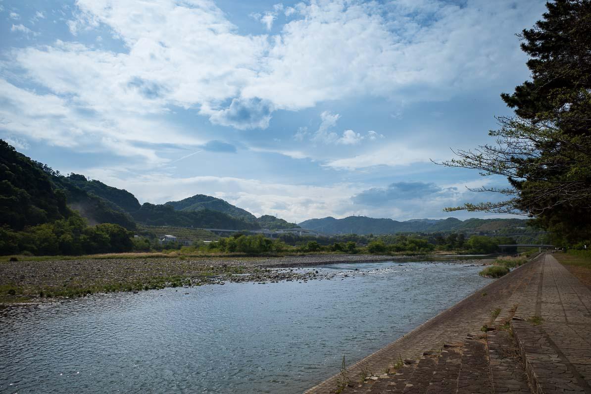 上大島キャンプ場から見た相模川