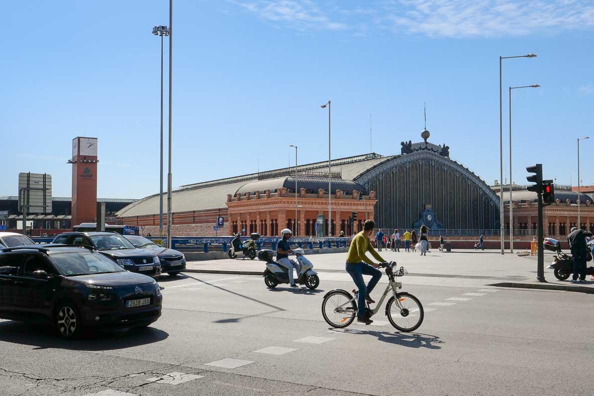 ヨーロッパでは自転車は車道を走る